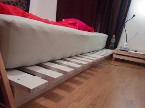 Bett aus Paletten 180 x200 aus Einwegpaletten