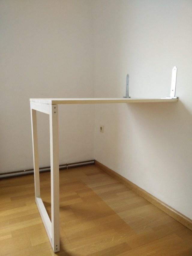 klappschreibtisch diy chewy and me. Black Bedroom Furniture Sets. Home Design Ideas